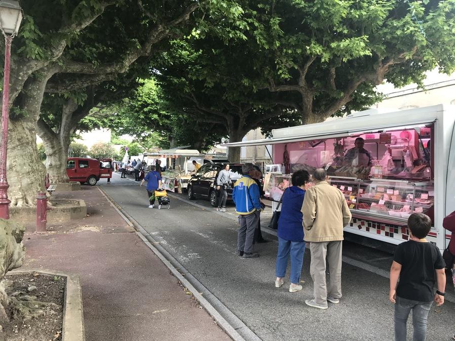 Retour du marché Place de la Roubine